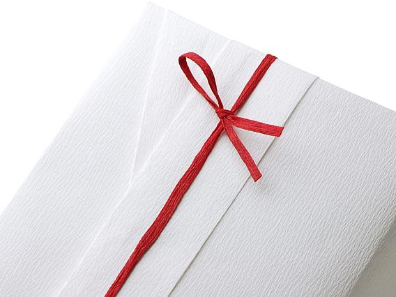包装紙:00-15306-579 包装紙 雪、紐:00-18715-719 コットンヤーン No.47 赤