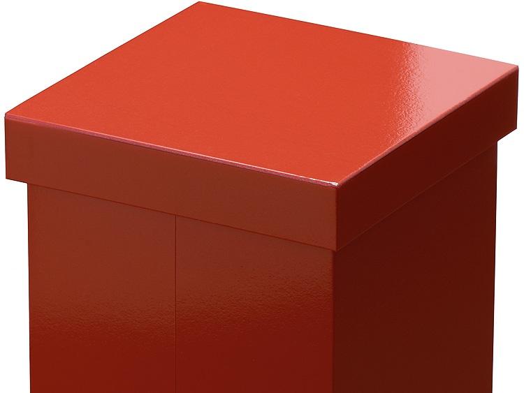 00-12408-222 ユニ折箱 遊膳 古代朱4寸三段、閉じた状態のアップ