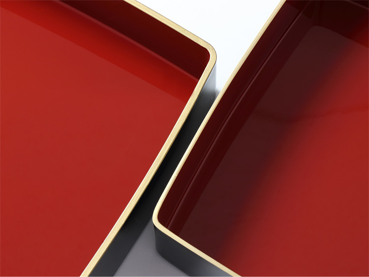 【左】旧製品、【右】代替の新タイプ(本体の肉厚が、4mm厚から2mm厚程度に変更になります。)