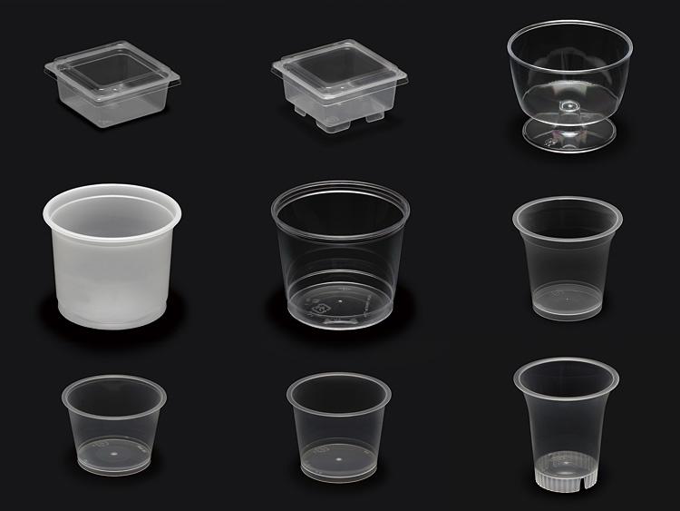 上段左より:耐熱角玉子豆腐容器 足無し、耐熱角玉子豆腐容器 足付き、ハイワインカップ、中段左より:あんみつカップ G240BN、あんみつカップ ハードタイプ、耐熱デザートカップ PP 76-160、下段左より:耐熱プリンカップ PP 90cc、耐熱プリンカップ PP 115cc、耐熱デザートカップ PP 71-125ドリンク-2