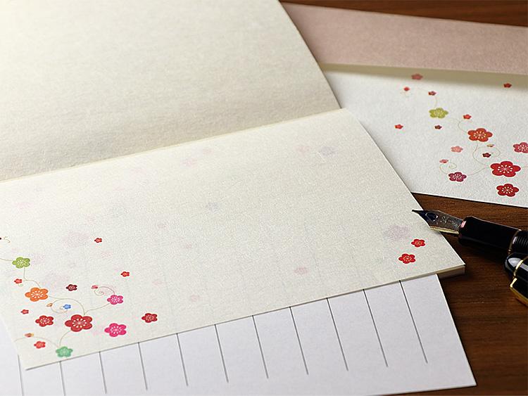 「彩り梅蔓」の一筆箋と一筆箋封筒の画像